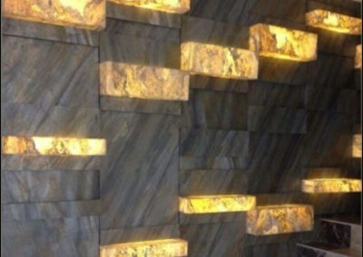 skinrock-art-dekonstruktivistische-wand